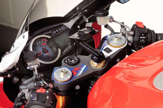 BRIGHT LOGIC GSX-R1000(スズキ GSX-R1000)のカスタム画像