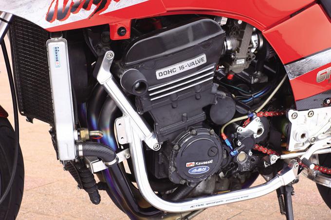 COLORS GPZ900R(カワサキ GPZ900R)のカスタム画像