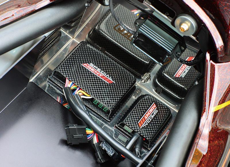 BIGFOOT×JAUNTY'S ZRX1200DAEG(カワサキ ZRX1200DAEG)のカスタム画像