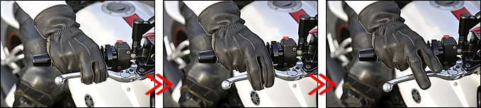 """【左】レバーにかける指は何本でも構いません。大事なのは自分が確実に操作できることです。ブレーキレバーは""""握る""""というより""""引き込む""""イメージ。入力は一定のほうが車体姿勢は安定します。【中】ブレーキレバーを緩めるときはいきなり「ポンッ」と放すのではなく「ジワッ」と穏やかに。ループ状に曲げた指が伸びるにつれ、グローブの表面をレバーがゆっくりと滑っていくイメージでしょうか。【右】完全にレバーをリリースしても、万が一に備えて少なくとも指一本はレバーにかけておくと安心です。リヤブレーキ操作についても、基本的にはフロントブレーキと同じタイミングでOKです。"""