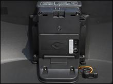 電源ユニットからは、DC12Vを取り出せる仕様。将来に向けての拡張性も十分だ