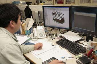 設計から製造まですべて自社で行うことで、さまざまな仕様変更も可能になる。設備設計、金属加工のプロだから、見掛けだけでなく長く使える製品作りをモットーとしている。
