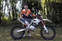 澤畠 哲哉さん(43歳) PR-4 240リミテッド