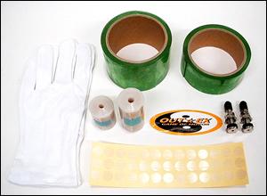 キット内容は、プレカットニップルテープ、シールテープ、クリアーシートがメイン。施工で余ったテープやシートは、補修用として使える。この他に、エアバルブや作業用手袋などが同梱。