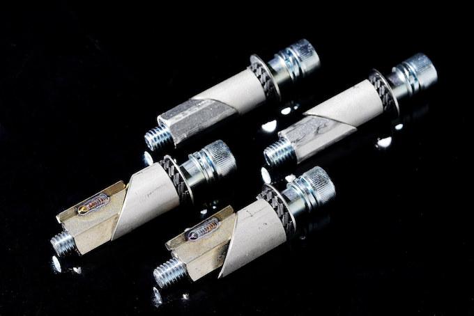 振動を「抑える」のではなく「逃がす」振動吸収レバーガードVALGの画像