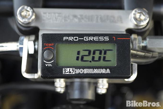 水温・油温を高精度で管理するデジタルメーターの最高峰の画像