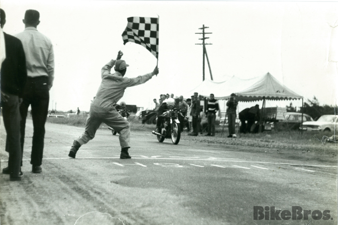 Yoshimura History #02: A quarter-mile on his tuned BSA reminded Pop of an aircraft taking off.