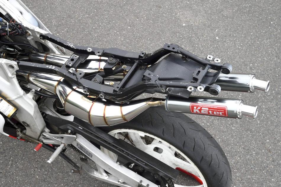 K2tecの後方排気のTZR250(3MA)ストリート用チャンバー