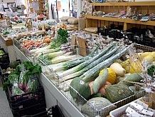 売場スペースの大部分を占め地元の野菜を販売しています。いつでも新鮮で旬の野菜を手頃な価格で手に入る。道の駅ならではの醍醐味だと思います。
