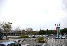 全ての駐車場を合わせて普通車226台、大型車23台、身体障害者用4台という巨大駐車場。バイク用スペースがないのは良いが、これだけ大きな駐車場であればそれをアナウンスすべきだと思うのだが。