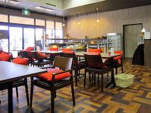 「ベーカリーカフェ・パーション」はパン工房と喫茶を兼ねています。パンの種類が少ないですが、出来立てのパンとコーヒーが美味しかったです。