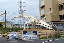 道の駅 和田浦WA・O!の名物のひとつである、シロナガスクジラの原寸大骨格標本(レプリカ)です。全長は、26mもあるそうです。ここに巨大な尾鰭がつくと、30m近くになると思うと圧巻です。