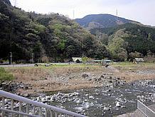 道の駅の向かい側にオートキャンプやデイキャンプが出来る町立河内川ふれあいビレッジがあります。