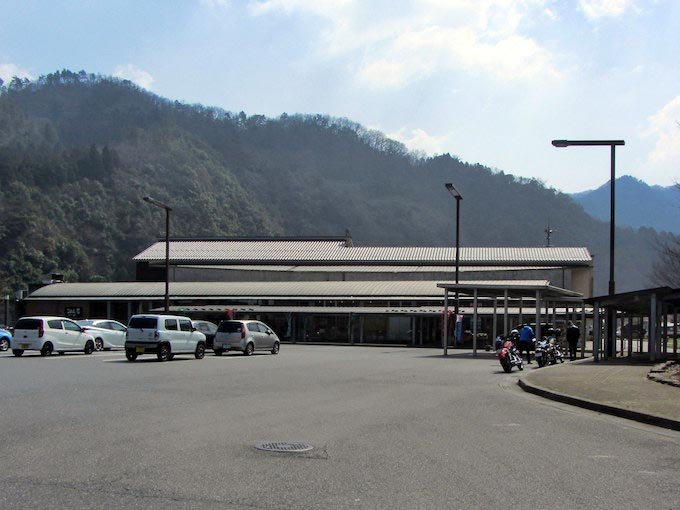 【ライダー目線で調査/道の駅 かきのきむら】コンビニやレストランが無い山間部での休憩スポット