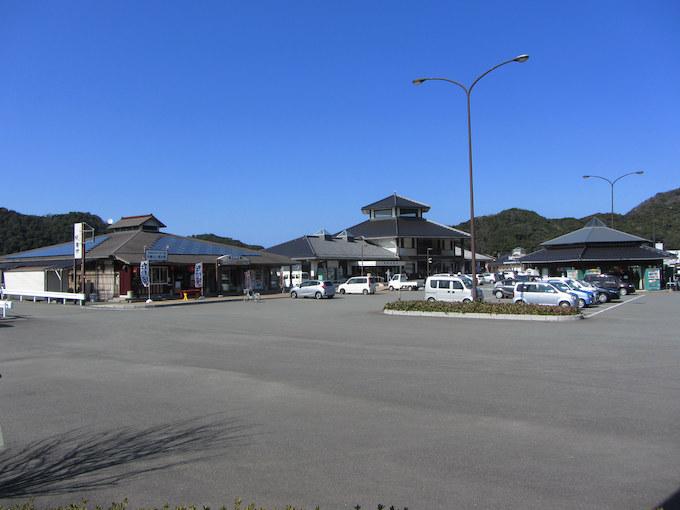【道の駅ゆとりパークたまがわ】天然記念物の須佐湾や磁石石へ行く際の休憩地に