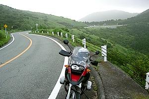 国道138号線の乙女トンネルが開通する以前は御殿場と仙石原を結ぶ最短コース。明治時代は外国からの客人が富士山を眺めに来る定番観光スポットだったという。