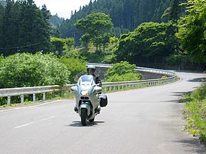 四時川沿いの国道289から349号線のルートは快適な道が続きます。飛ばしすぎにご注意を。