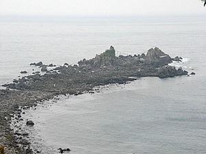 三ツ石へは干潮時に渡ることが可能。