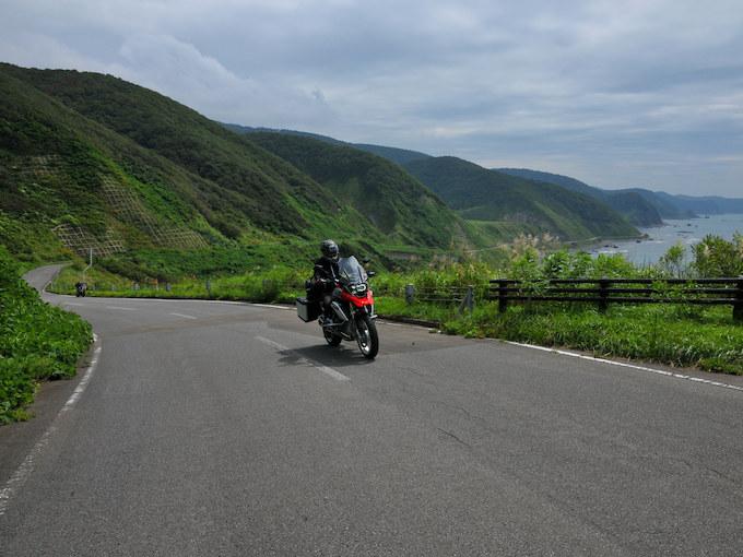 龍飛岬と岩木山の画像