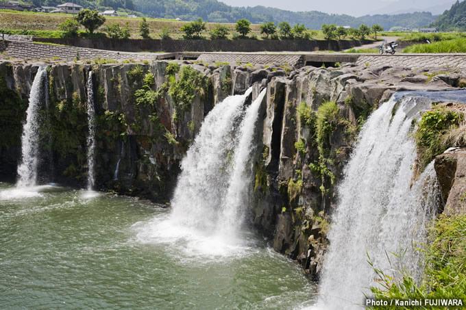 日本の絶景100選 原尻の滝(大分県)の画像