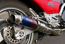 BMS RACING製のサイレンサーとベビーフェイスのエキゾーストを組み合わせたオリジナルマフラーがお気に入りのポイント。