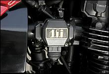 dfiはカワサキが開発した第二世代の燃料噴射システムだ。